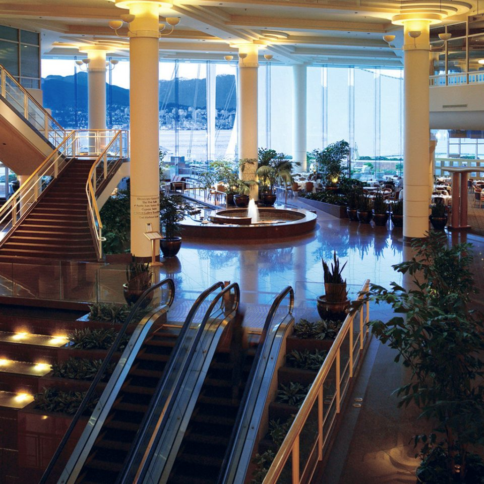 Resort Scenic views Waterfront building Lobby shopping mall restaurant convention center colonnade