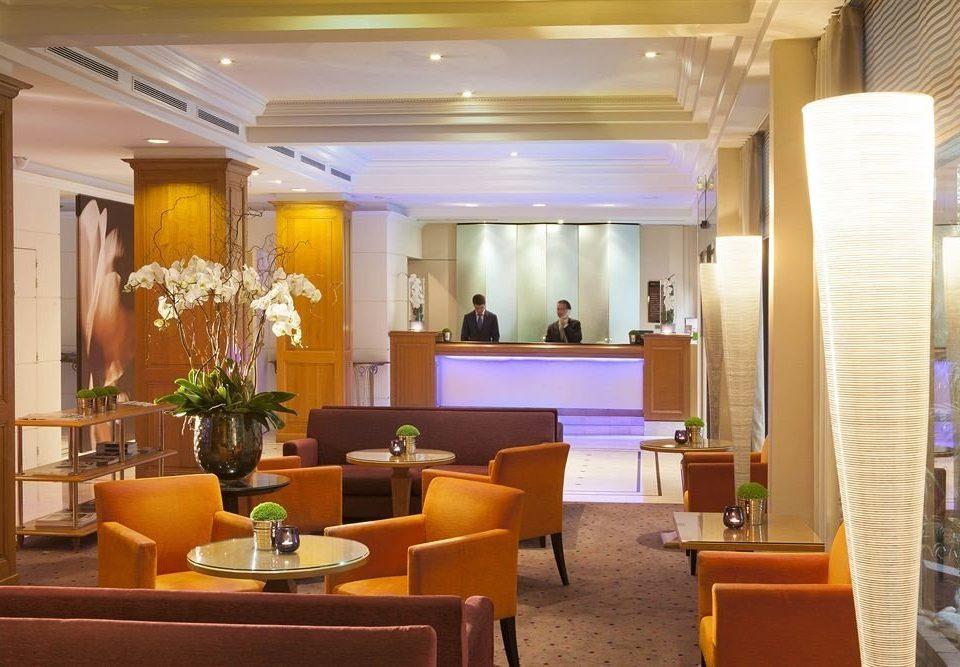 Lobby function hall restaurant Suite conference hall convention center living room condominium Resort ballroom