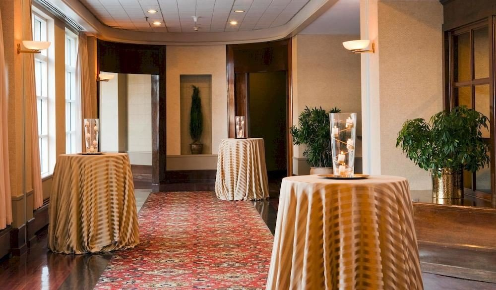 property Lobby function hall Resort Suite restaurant home mansion flooring ballroom