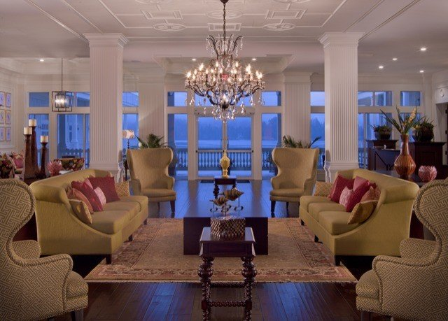 sofa Lobby chair property living room Resort home condominium mansion function hall Suite