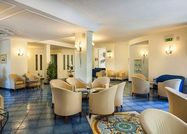 property condominium Suite waiting room living room Lobby Resort
