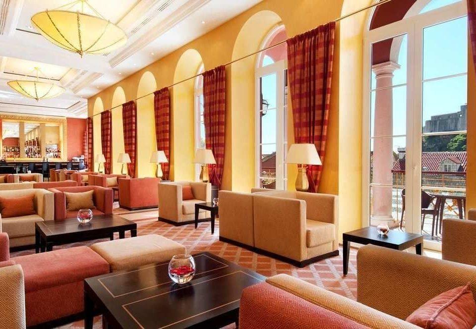 sofa property Lobby living room condominium Resort Suite home restaurant