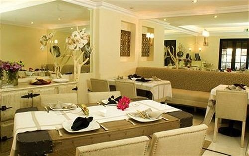 property restaurant function hall living room Suite Resort Lobby