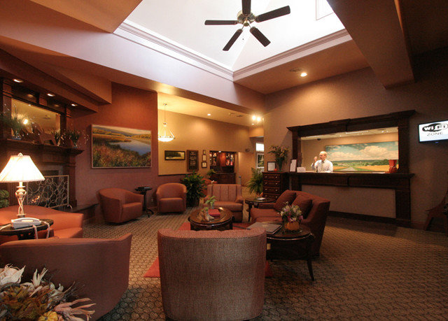 Lobby property living room home recreation room restaurant Resort Suite
