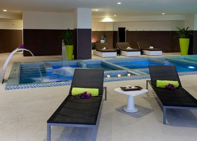 property swimming pool recreation room condominium conference hall Suite Resort Villa convention center Lobby
