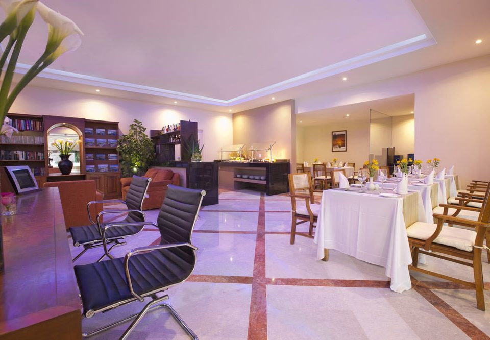 chair property restaurant Resort function hall Lobby condominium Suite Villa