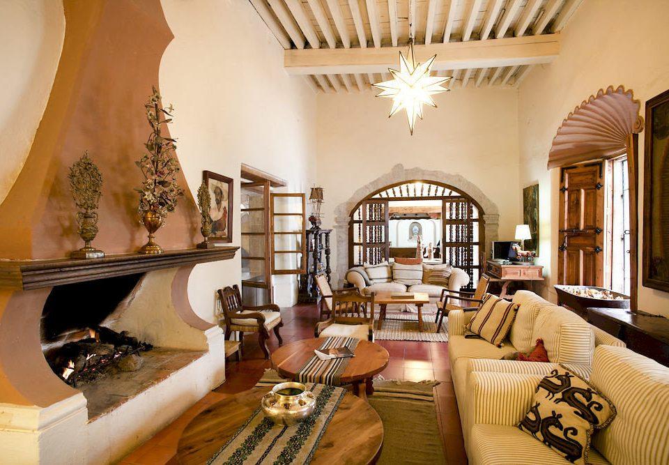 sofa property living room home mansion Villa Suite cottage restaurant Resort Lobby dining table