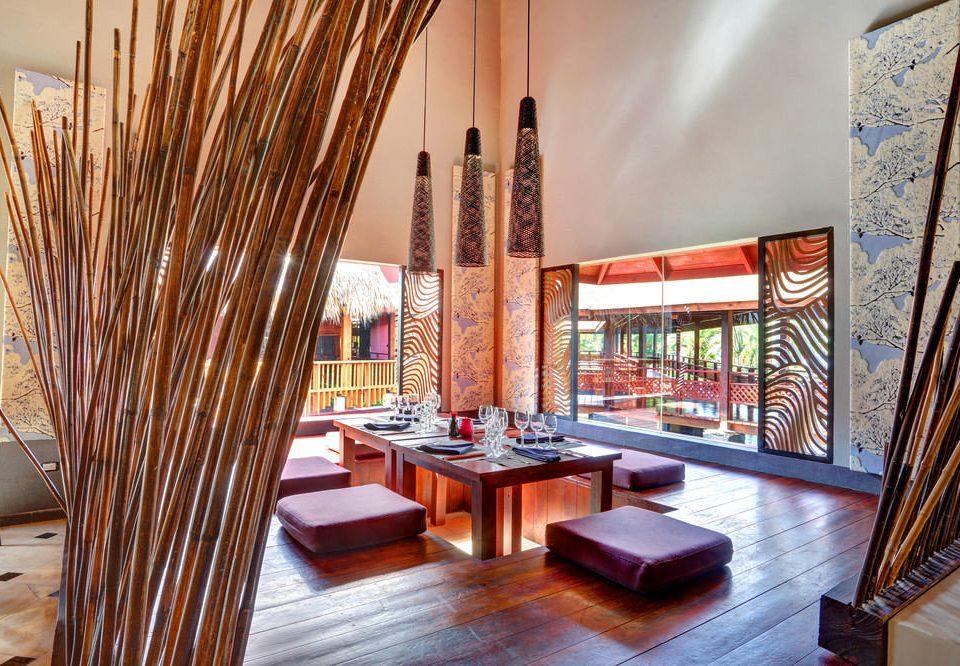 chair property living room Lobby Resort Suite home Villa condominium restaurant