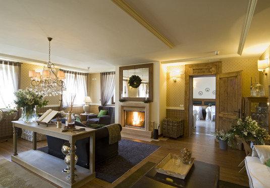 property condominium living room home Suite Villa Lobby mansion Resort