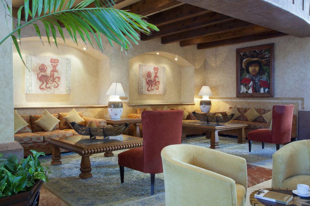 property chair living room restaurant Resort home Lobby plant cottage Villa hacienda