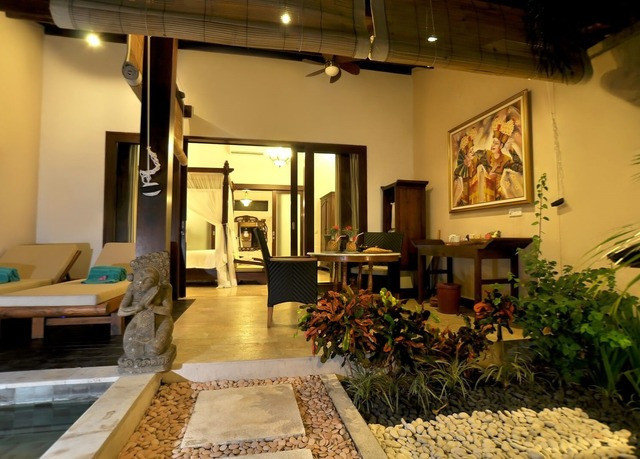 property Villa home Resort hacienda mansion Lobby living room cottage condominium