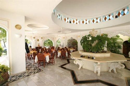 Lobby property function hall mansion Resort Villa hacienda palace