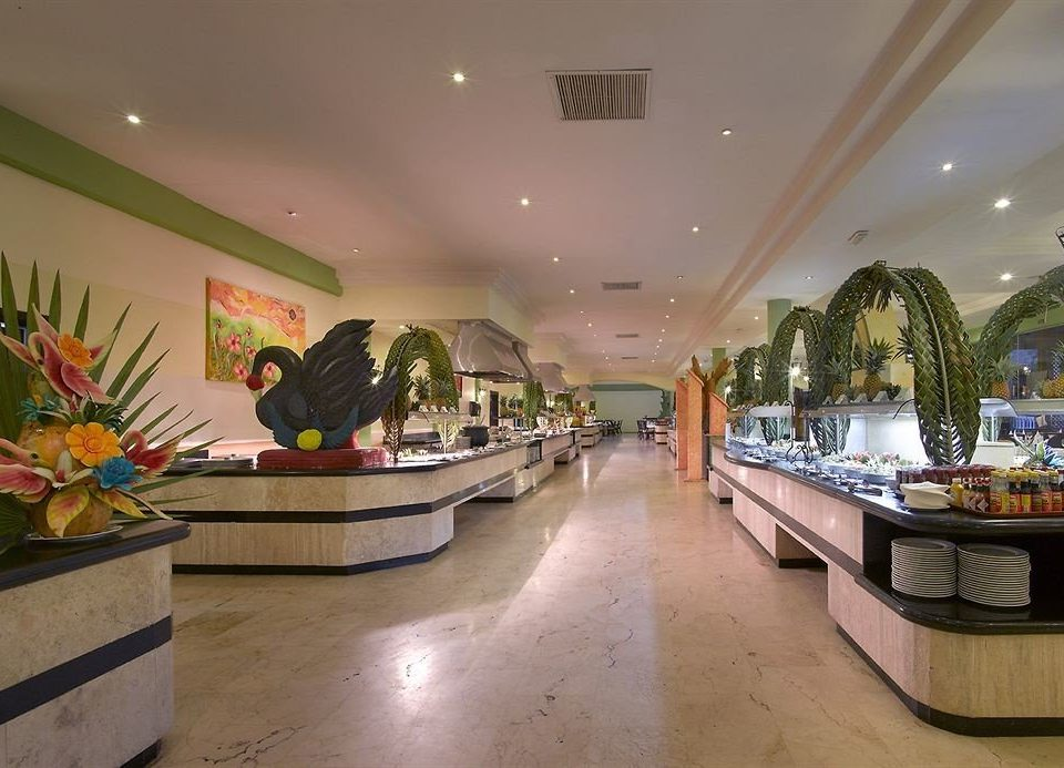shopping mall restaurant Lobby retail