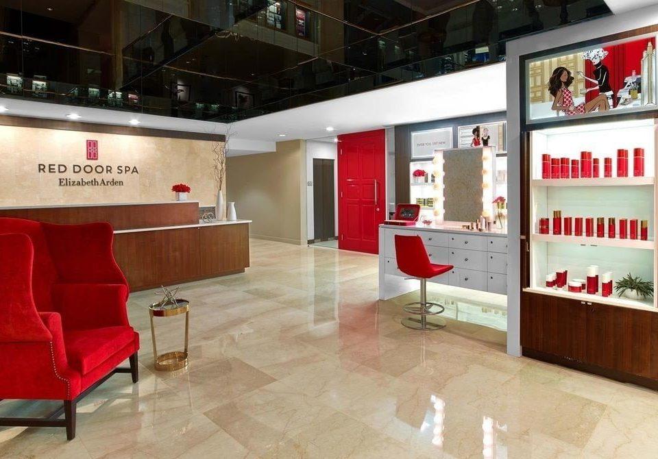 Lobby retail