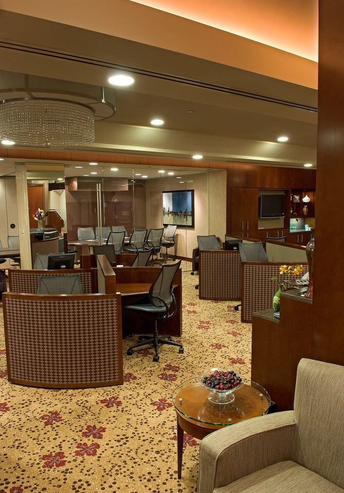 Lobby property living room home yacht recreation room basement Suite