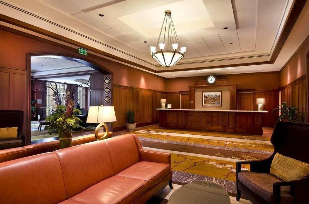 sofa recreation room billiard room Lobby living room yacht Suite home mansion vehicle