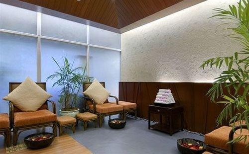 property building condominium living room Lobby plant Suite