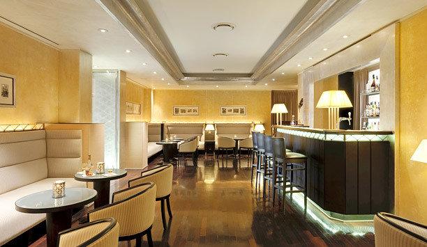 Lobby restaurant café Suite interior designer