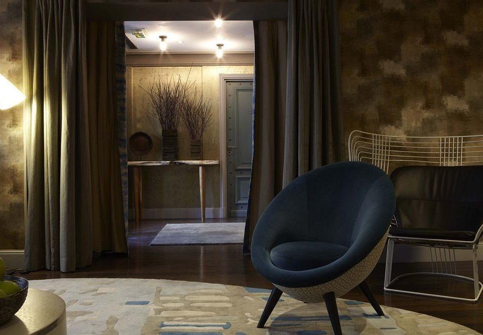 chair property Lobby living room home lighting Suite screenshot