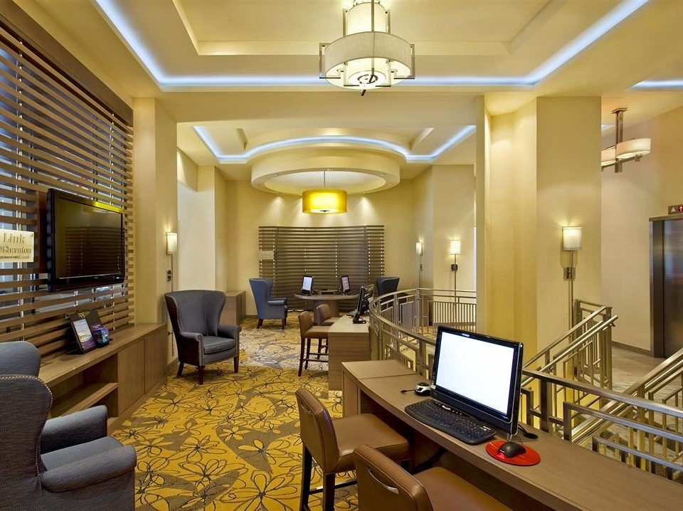 Lobby conference hall living room recreation room condominium convention center Suite