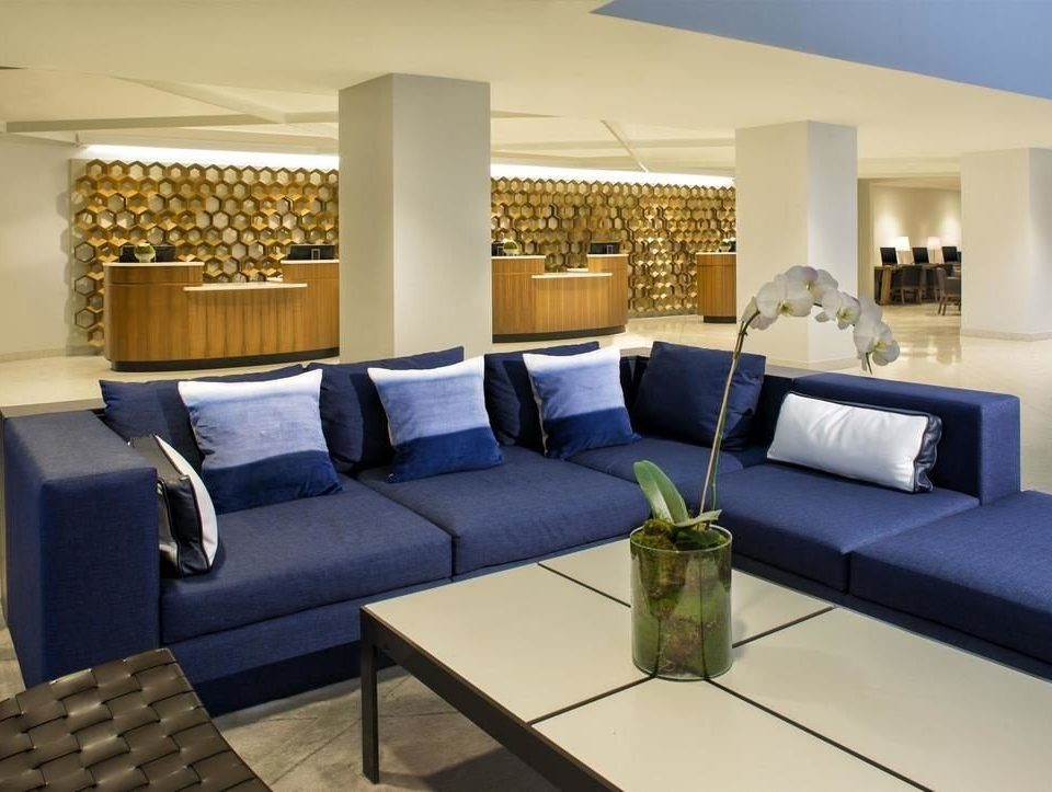 property Lobby living room condominium Suite waiting room conference hall convention center sofa