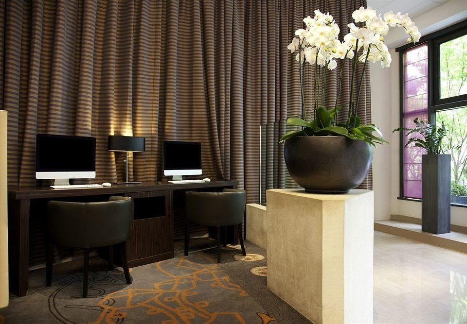 property curtain Lobby living room home Suite lighting condominium flooring