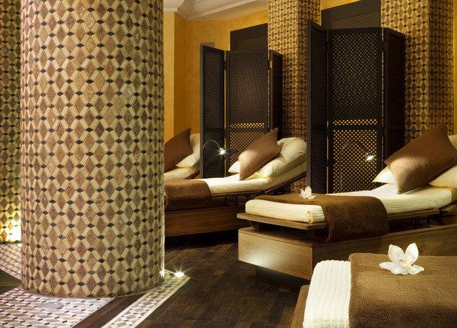 sofa man made object property hardwood living room Suite flooring condominium Lobby swimming pool
