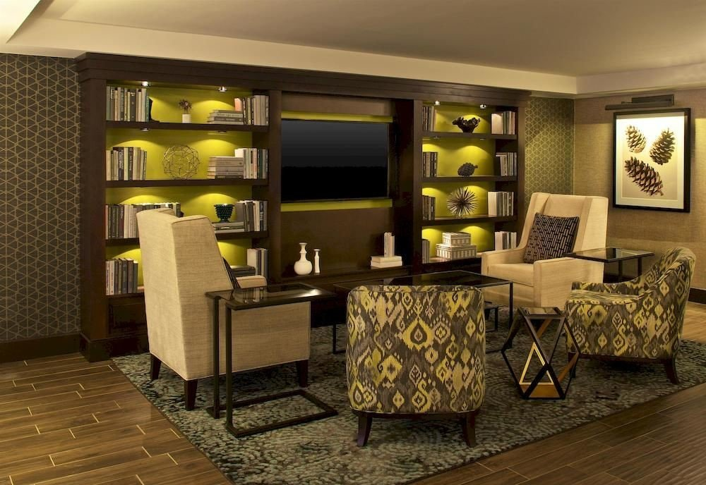 living room property home Suite condominium Lobby