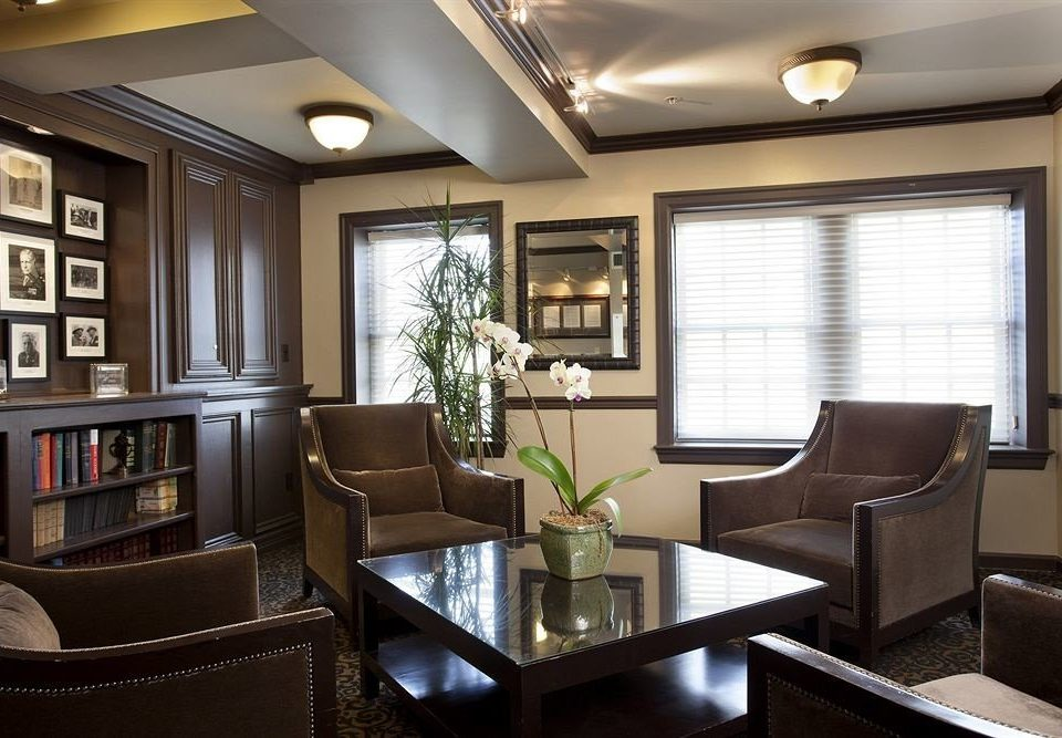 living room property condominium Lobby home office Suite leather