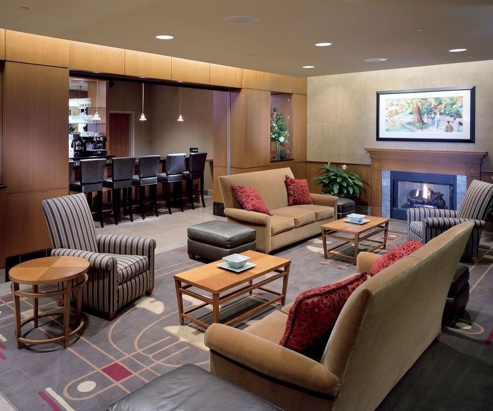 living room property condominium recreation room Lobby Suite home