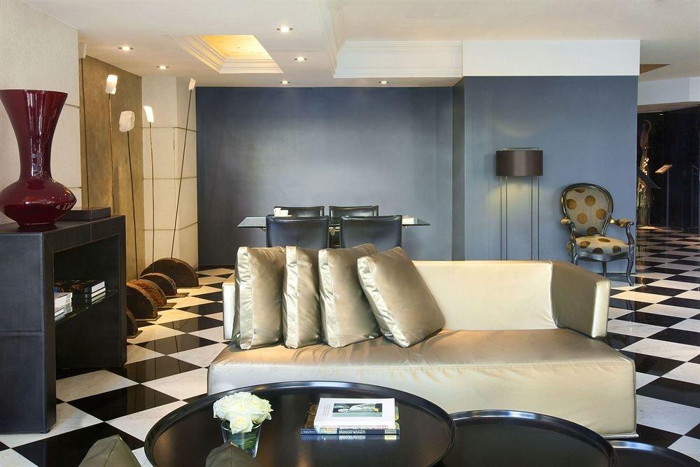 living room property condominium home Lobby Suite sofa