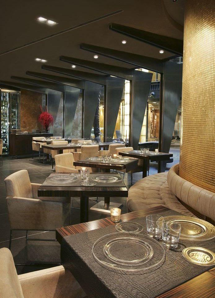 Lobby living room yacht restaurant Suite condominium