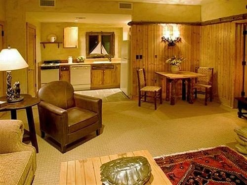 property living room recreation room Lobby Suite home cottage mansion