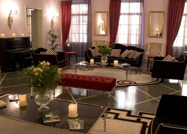 property living room home Lobby Suite restaurant leather