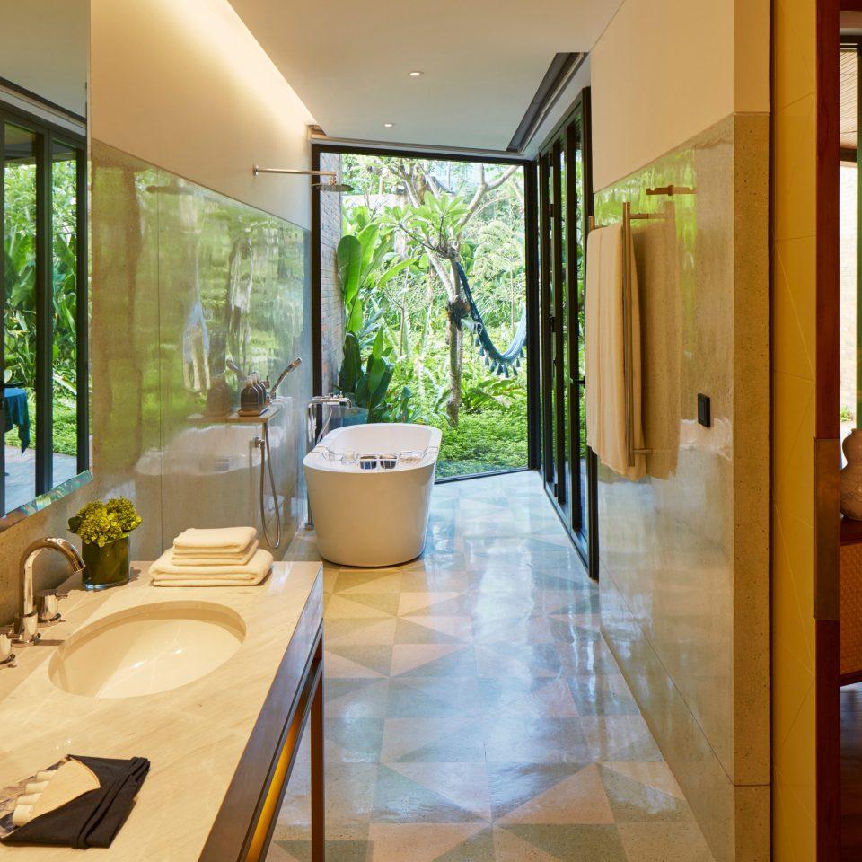property house condominium Suite home Lobby Villa living room tub
