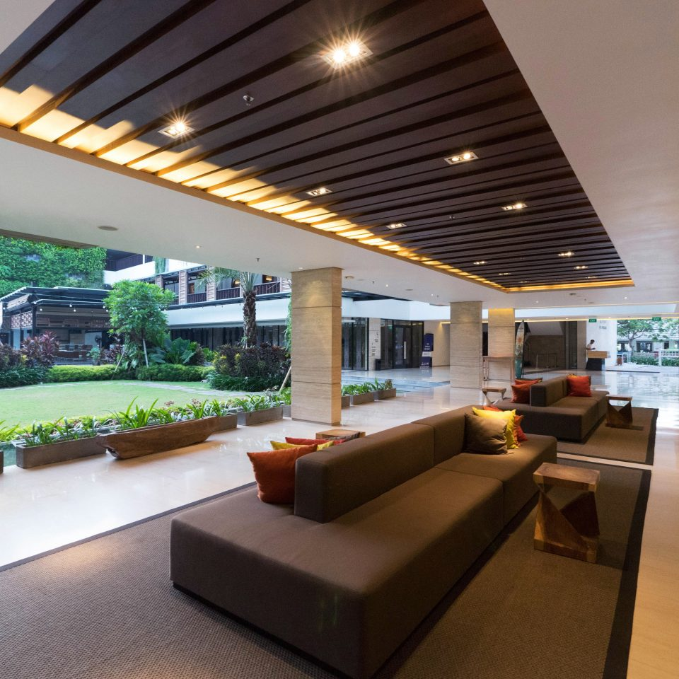 building property Lobby condominium lighting daylighting living room outdoor structure Villa