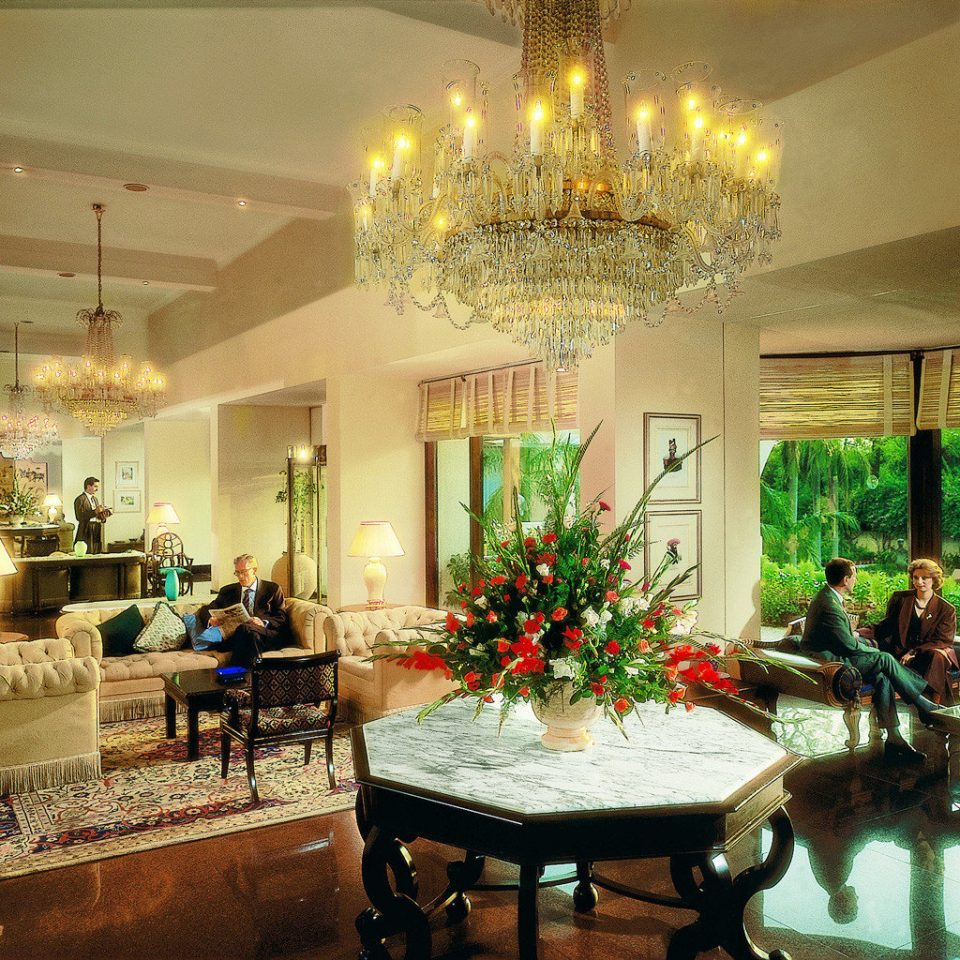 property Lobby home living room mansion lighting condominium palace restaurant Villa