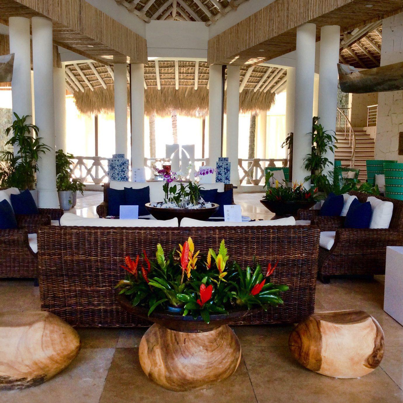 Lobby home living room floristry mansion hacienda Villa flower