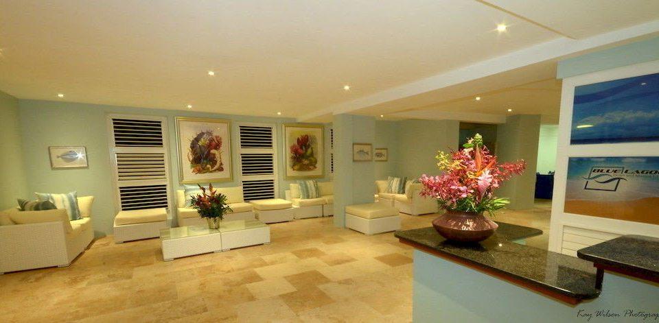 Lobby Waterfront property living room home condominium flat