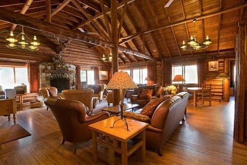 Lodge Lounge Romantic property living room hardwood home log cabin cottage wood flooring recreation room Resort farmhouse