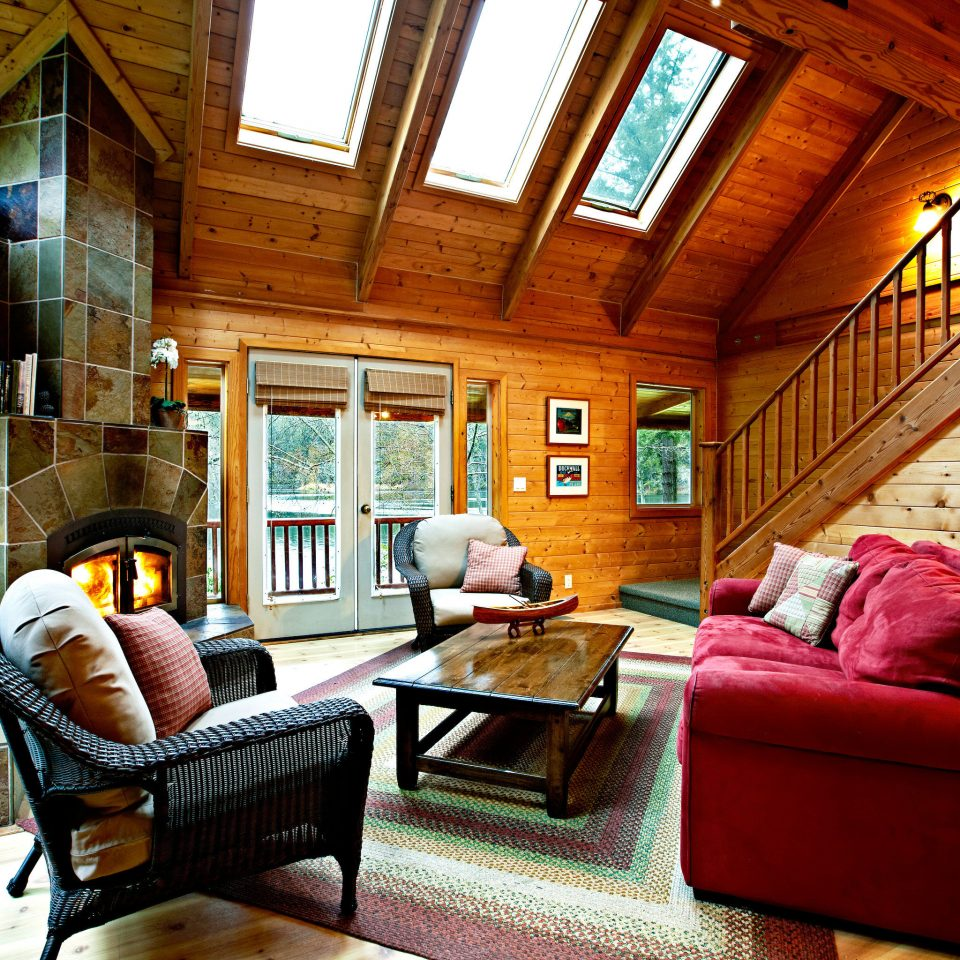 Lodge Resort Rustic Scenic views sofa property living room house home cottage mansion farmhouse Villa