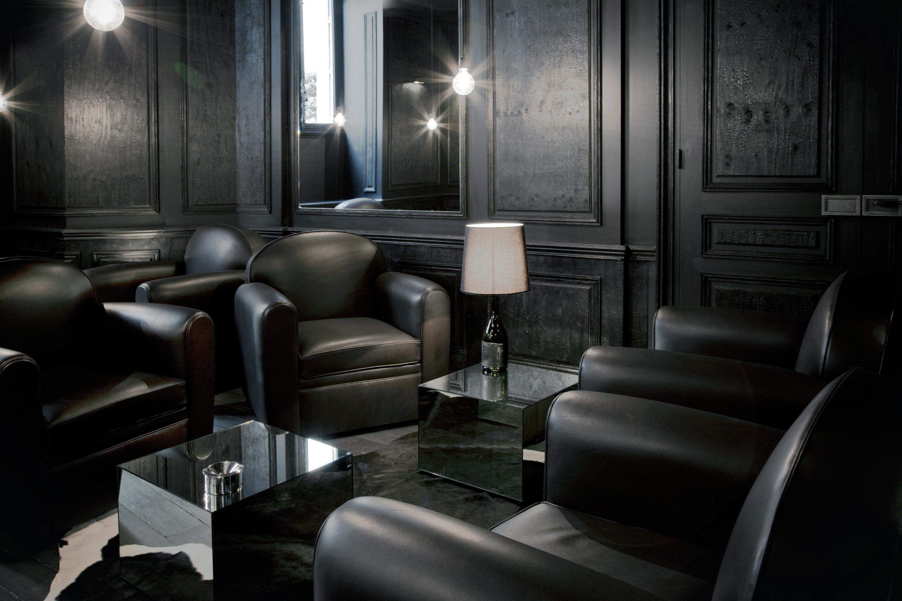 Lounge Luxury Modern sofa screenshot living room chair leather lamp