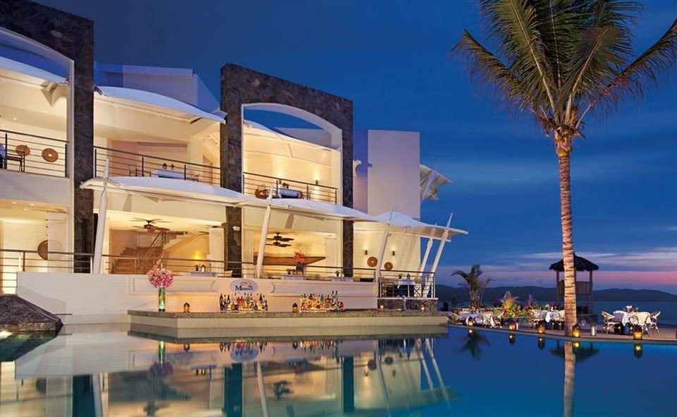 Lounge Luxury Modern Patio Pool sky marina plaza Resort condominium dock