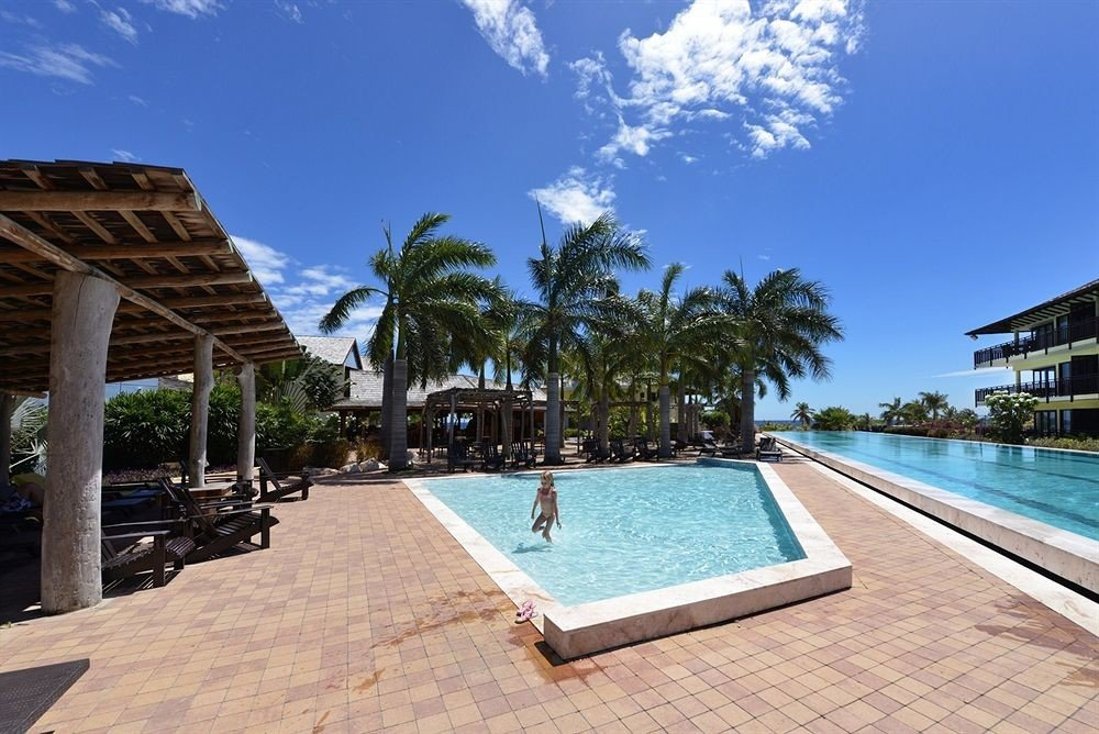 Lounge Luxury Modern Pool Resort sky ground swimming pool property building leisure Villa condominium mansion palm walkway