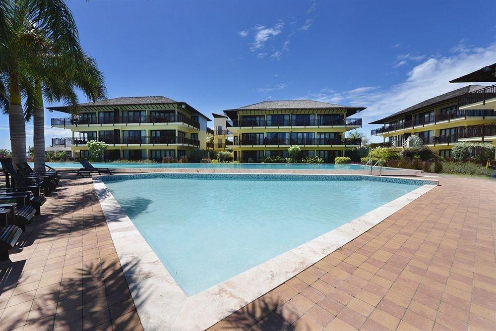 Lounge Luxury Modern Pool Resort sky ground swimming pool property condominium Villa plaza walkway