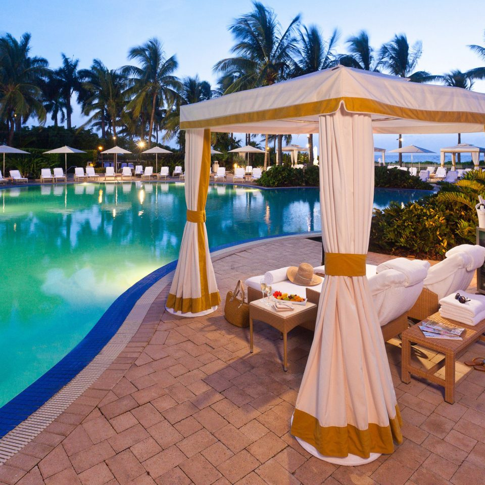 Lounge Luxury Modern Pool sky leisure swimming pool Resort Villa hacienda backyard eco hotel