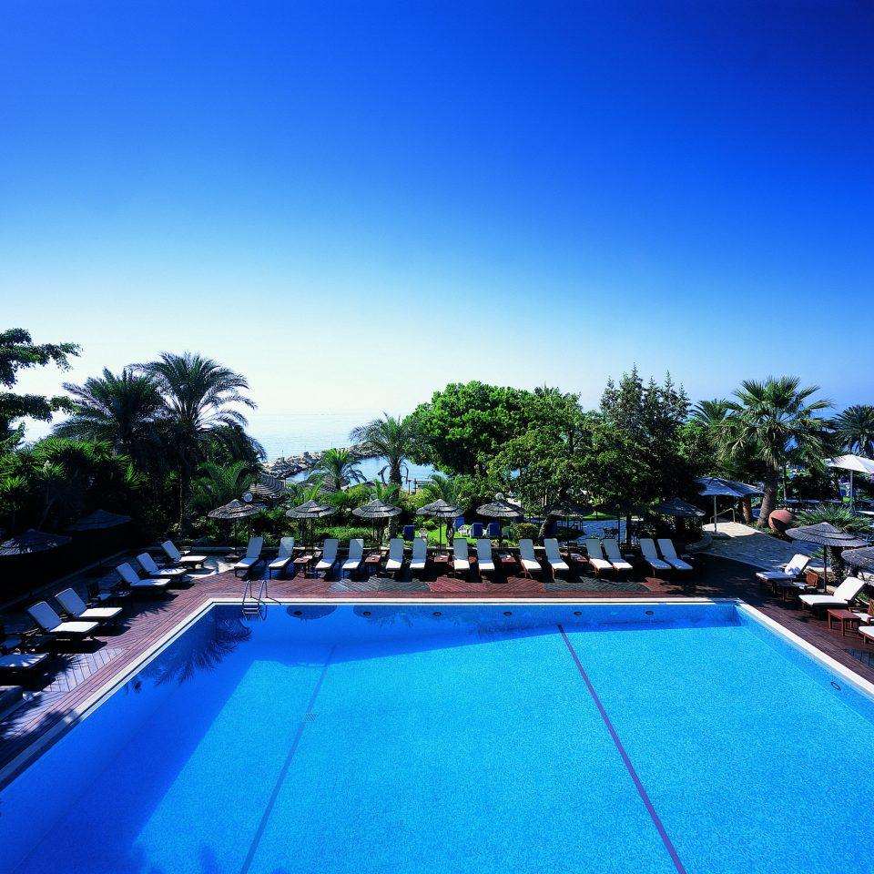 Lounge Luxury Modern Pool sky tree swimming pool leisure property Resort Sport resort town Villa Sea lined