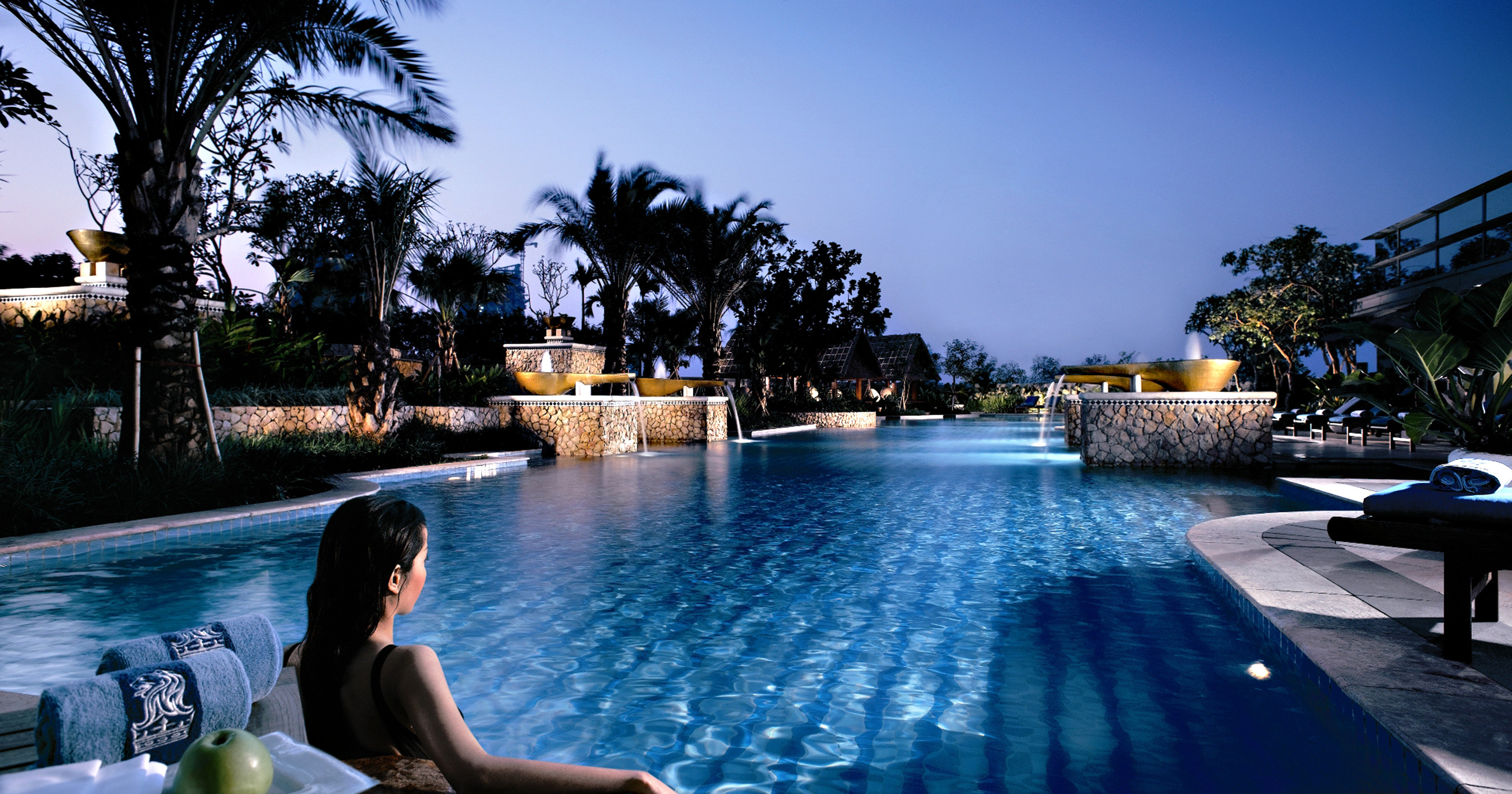 Lounge Luxury Modern Pool tree leisure swimming pool Resort Sea