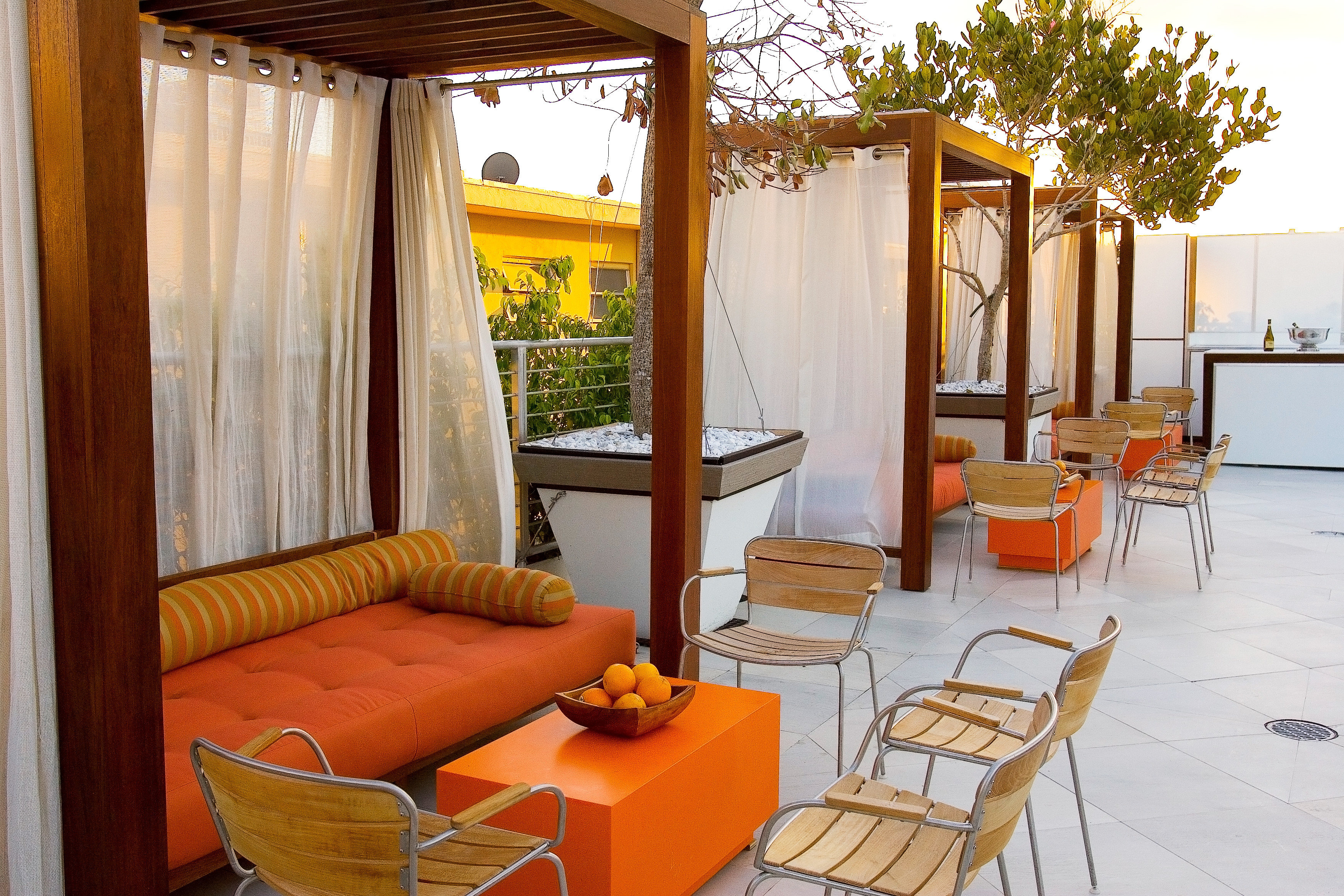 Lounge Luxury Modern chair property building Villa cottage Resort home Suite living room condominium