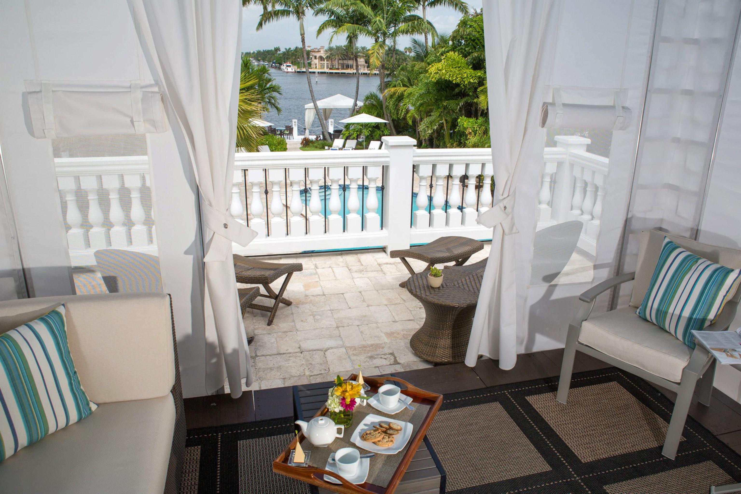 Lounge Luxury Modern property building Villa cottage home Resort condominium living room Suite mansion porch